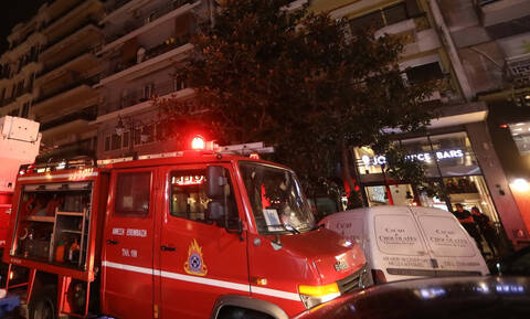 Φωτιά ΤΩΡΑ: Στις φλόγες εστιατόριο στον Άλιμο