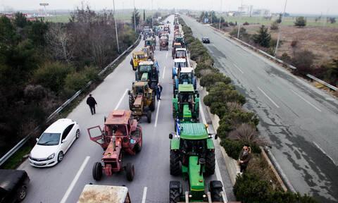 Μπλόκα αγροτών: Ανυποχώρητοι οι αγρότες - Κλιμακώνουν τις κινητοποιήσεις