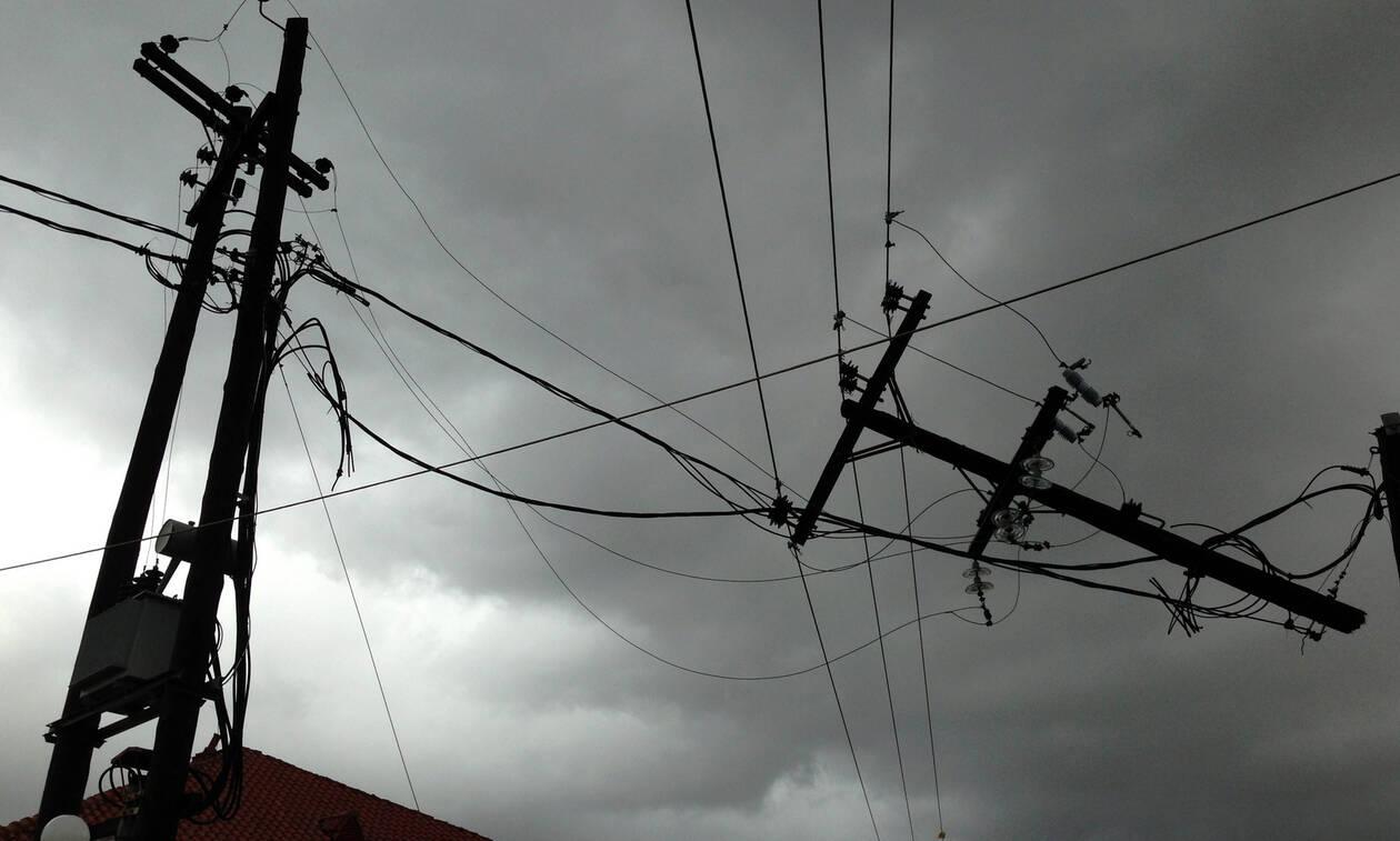 Καιρός: Ανεμοστρόβιλος «χτύπησε» την Ηλεία - Δείτε εικόνες (pics)