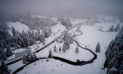 Καιρός: Στους 40 πόντους το ύψος του χιονιού στα ορεινά των Τρικάλων