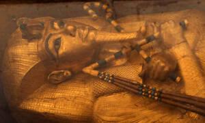 Ο τάφος του Τουταγχαμών αποκαλύπτει τα μυστικά του: Ο ξαφνικός θάνατος και οι μυστηριώδεις κηλίδες