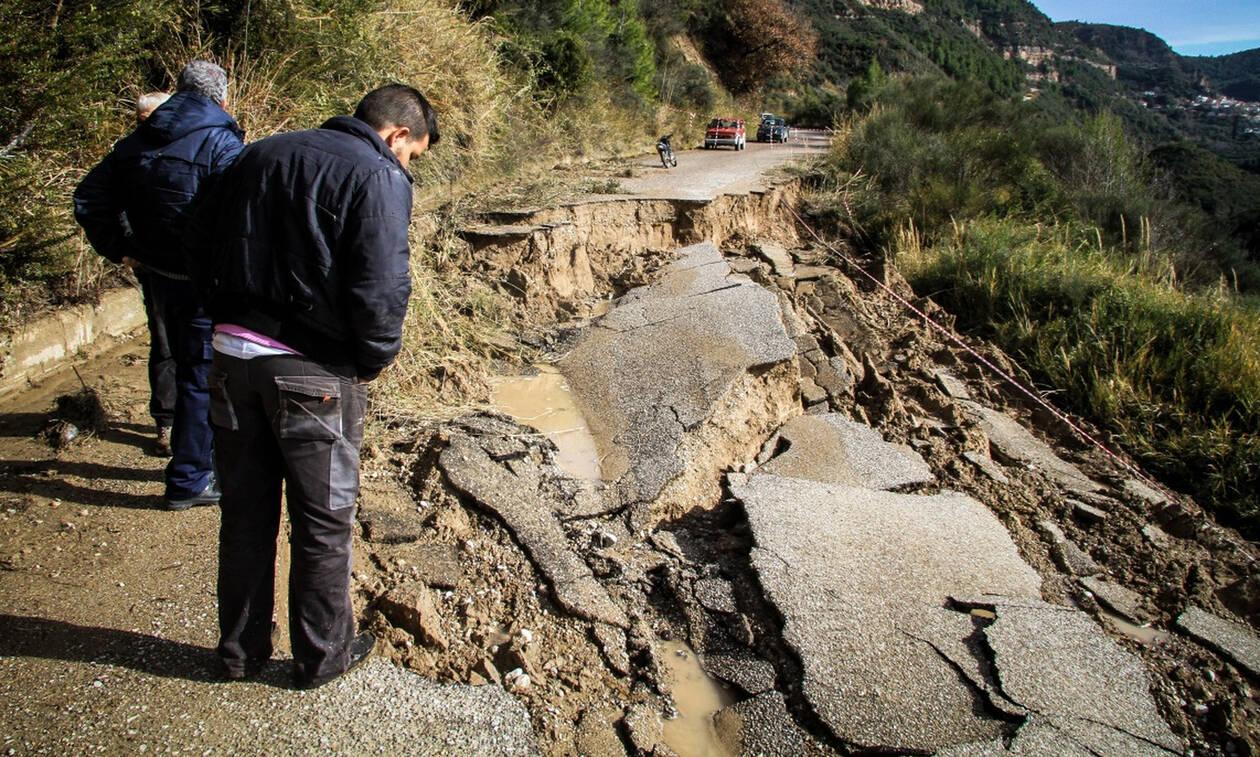 Κακοκαιρία: «Βούλιαξαν» οι δρόμοι στην Ηλεία από τις βροχοπτώσεις (pics)