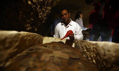 Σπουδαία ανακάλυψη στην Αίγυπτο: Βρέθηκαν μούμιες άνω των 2.000 ετών (pics)