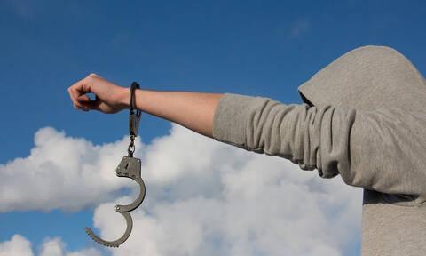 Καλαμάτα: Ελεύθερος ο 21χρονος Αλβανός για εκβίαση 14χρονης