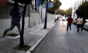 Ρουβίκωνας: Δείτε καρέ - καρέ την επίθεση στην ιταλική πρεσβεία (Pics+Vid)