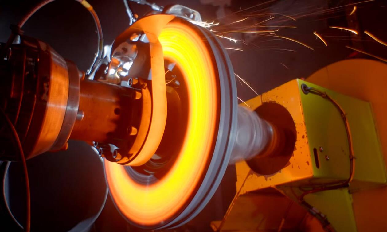 Δείτε τη Bugatti να δοκιμάζει δαγκάνες φρένων τιτανίου από 3D εκτυπωτή και από τα 375 χλμ/ώρα