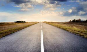 Αυτός είναι ο δρόμος που για 256 χιλιόμετρα δεν έχει ούτε μισή στροφή! (photos)