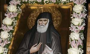 Ο Άγιος Παΐσιος έκανε σκόνη το βράχο μπροστά στα μάτια του γκουρού
