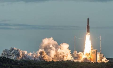 Hellas Sat 4: Η Ελλάδα κατακτά το διάστημα - Με απόλυτη επιτυχία η ιστορική εκτόξευση (Vid)