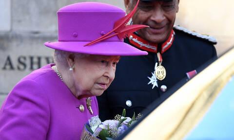 Βρετανία: Γιατί η Βασίλισσα Ελισάβετ δε γιορτάζει ποτέ τη μέρα της στέψης της - Το δυσάρεστο γεγονός