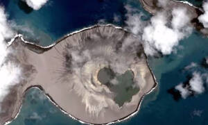 Oμάδα της NASA εξερευνά νησί - μυστήριο στον Ειρηνικό ωκεανό (pics)