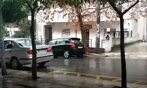 Καιρός: Ισχυρή χαλαζόπτωση στο κέντρο της Αθήνας (vids)
