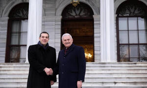 PM Tsipras meets with Yildirim, Greek community members on last day in Turkey