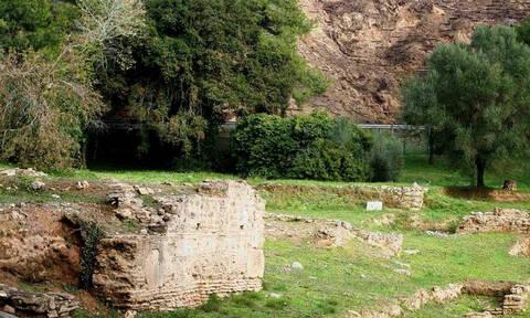 Κρόνιος Λόφος: Κατολισθήσεις απειλούν τον αρχαιολογικό χώρο της Ολυμπίας (pics)