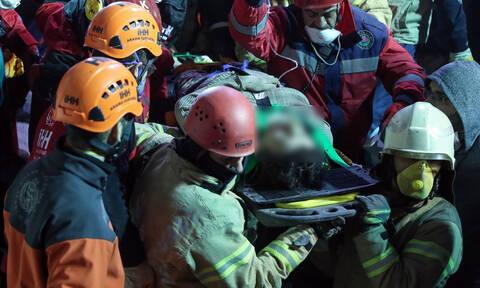 Τραγωδία στην Κωνσταντινούπολη: Ανασύρουν συνεχώς πτώματα από τα συντρίμμια της πολυκατοικίας (Pics)