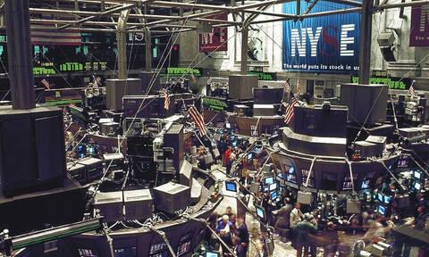 Εμπορικός πόλεμος και παγκόσμια ανάπτυξη επηρέασαν τη Wall Street - Πτώση και στο πετρέλαιο