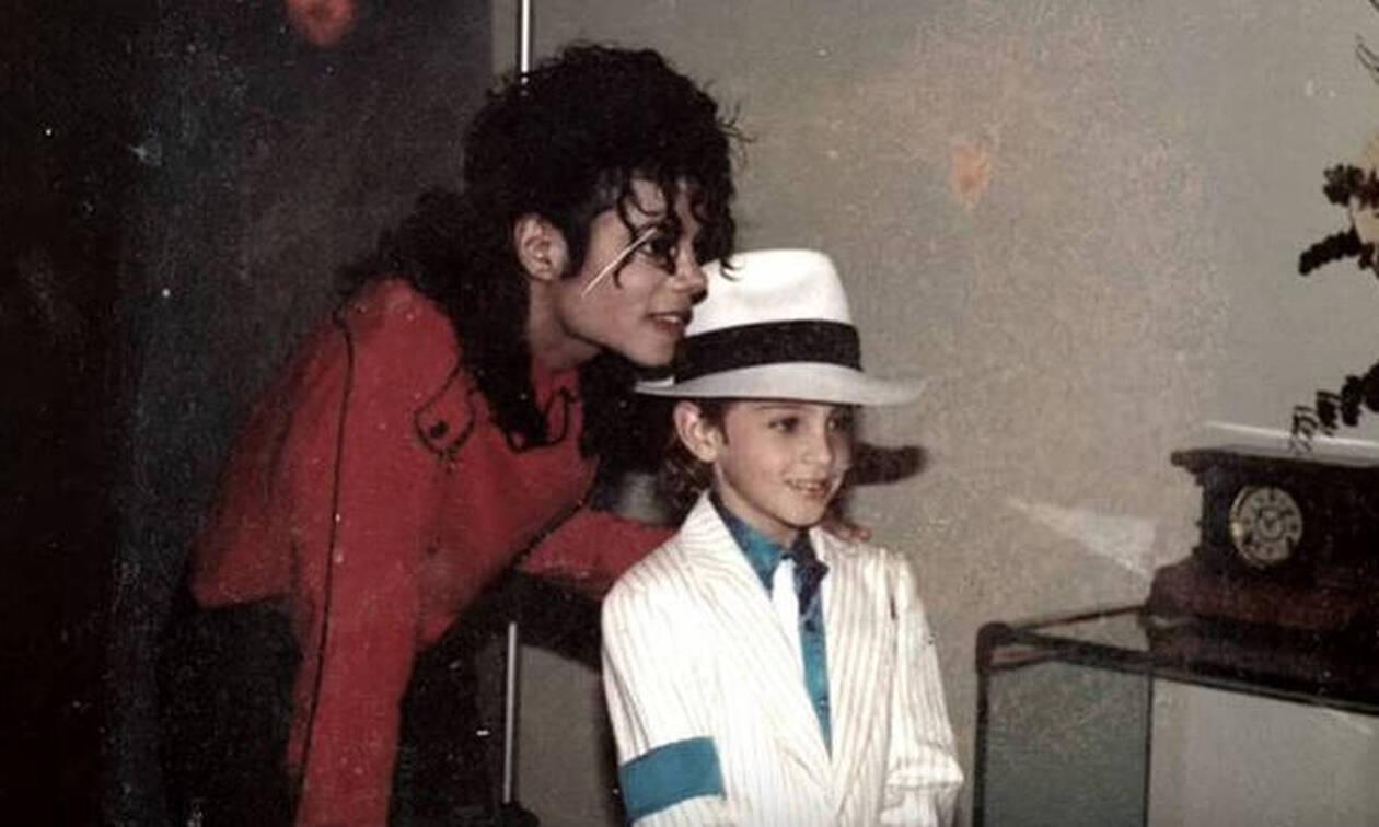 Η υπηρέτρια του Μάικλ Τζάκσον «σπάει» τη σιωπή της και σοκάρει