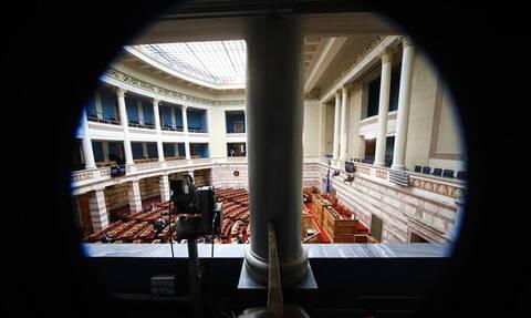 Βουλή LIVE: Η συζήτηση και η ψηφοφορία για το πρωτόκολλο ένταξης των Σκοπίων στο ΝΑΤΟ