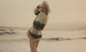 Μέριλιν Μονρόε: Οι αγγελικές φωτογραφίες του απόλυτου συμβόλου του σεξ «κολάζουν» ακόμη και σήμερα