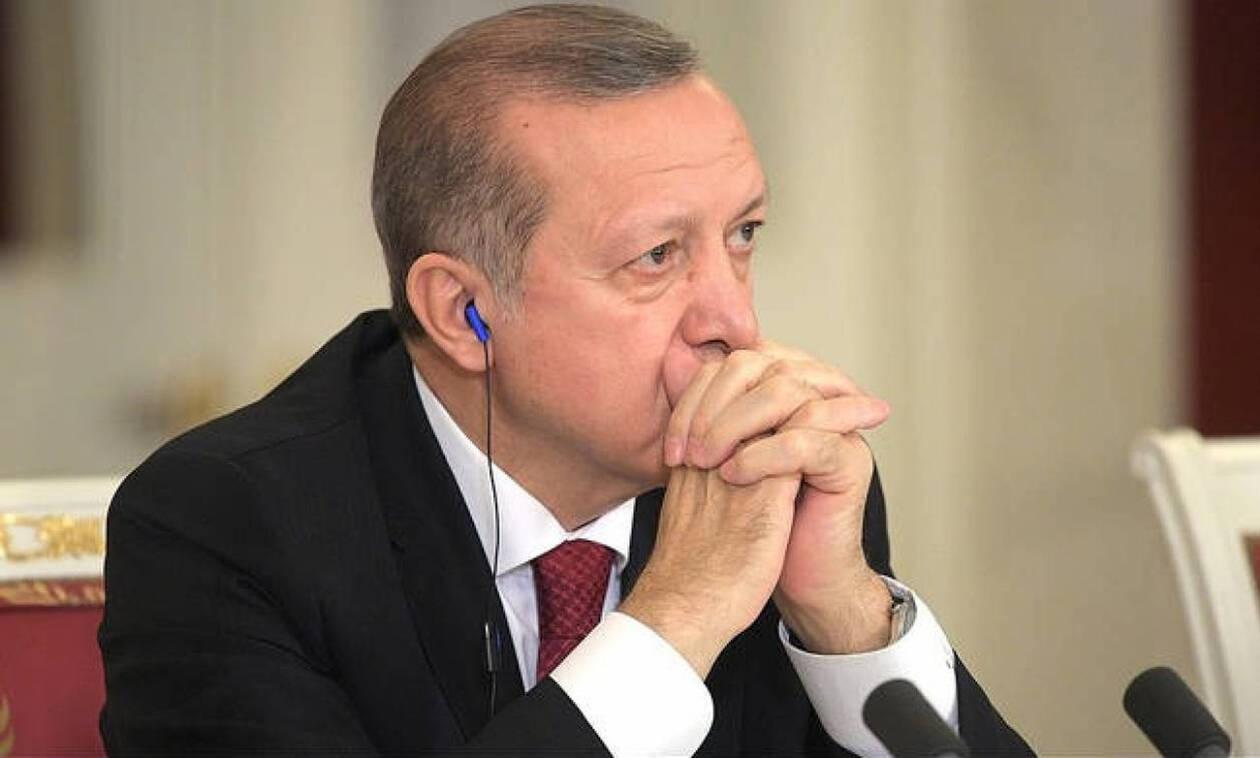 Σε απελπισία ο Ερντογάν:  Φοβάται «πανωλεθρία» στις εκλογές και τάζει φθηνές μελιτζάνες
