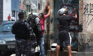 Βραζιλία: Βάφτηκαν με αίμα οι φαβέλες του Ρίο - 13 νεκροί