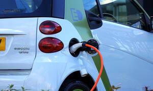 ΣΕΑΑ: Τα κίνητρα που πρέπει να δοθούν για την προώθηση της ηλεκτροκίνησης