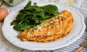 Η συνταγή της ημέρας: Ομελέτα με πατατάκια
