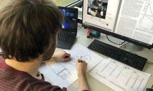 Έλληνας φοιτητής σχεδιάζει σπίτια στην Σελήνη (photos+video)