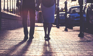 Σάλος στο Βόλο: 70χρονος βγήκε ραντεβού με 32χρονη – Η λάθος κίνηση που του στέρησε τα πάντα