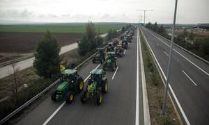 Μπλόκα αγροτών - Τζέλλας στο Newsbomb.gr: «Θα κατέβουμε στην Αθήνα, εάν η κυβέρνηση δεν μας ακούσει»