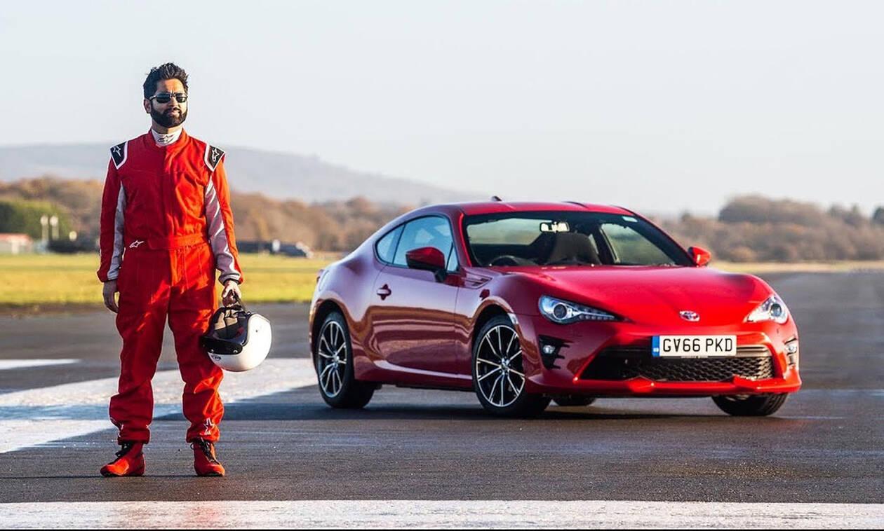 Πόσο γρήγορος μπορεί να είναι ένας τυφλός οδηγός στην πίστα του Top Gear;