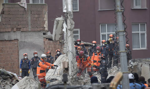 Death toll in Istanbul building collapse rises to 21: interior minister
