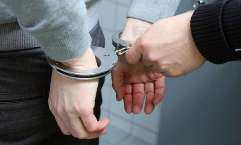Θήβα: Παρέλαβε πακέτο από το εξωτερικό – Το περιεχόμενό του τον έστειλε φυλακή! (Pic)