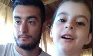 Θείος και κρητικοπούλα ανιψιά ρίχνουν το ίντερνετ τραγουδώντας Ερωτόκριτο και Αρετούσα (vid)