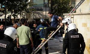 Ηράκλειο: Αίσιο τέλος με τον άνδρα που απειλούσε να αυτοπυρποληθεί (pics+vid)