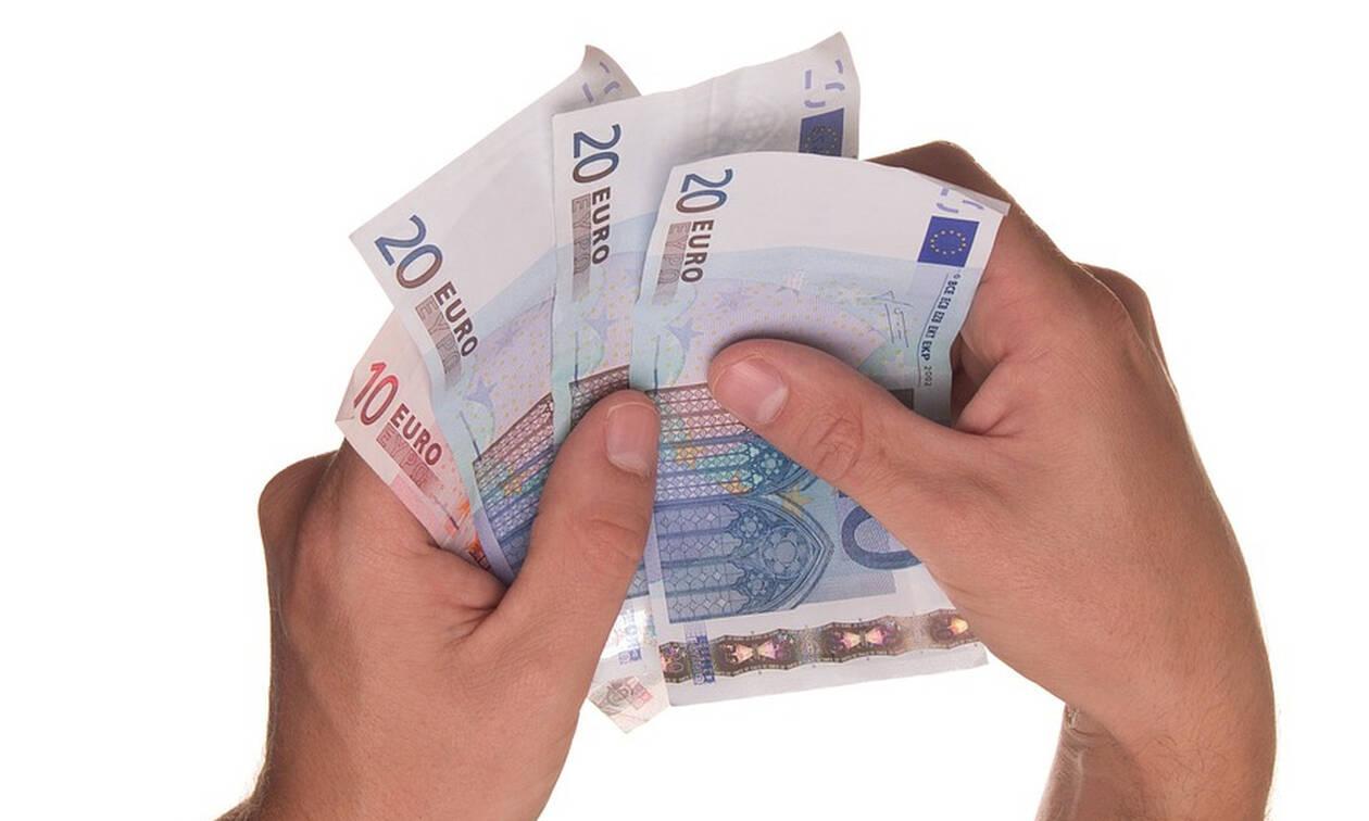 ΟΑΕΔ: Αυτά είναι τα νέα ποσά στα επιδόματα - Πίνακας με τα ποσά αναλυτικά