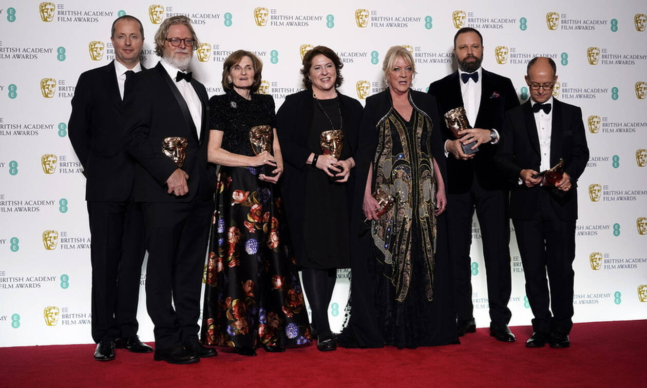Baftas 2019: The Favourite takes home seven awards