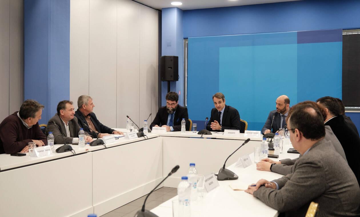 Μητσοτάκης: Η ΝΔ έβαλε τους ανασφάλιστους στο ΕΣΥ - Συνάντηση με την ΠΟΕΔΗΝ