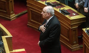 Ορκίστηκε ο Τέρενς Κουίκ - Υποσχέθηκε πίστη μέχρι τέλους στην Κυβέρνηση