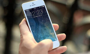 Греческие мобильные операторы переходят на тарифный план с безлимитными звонками