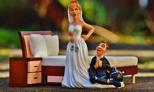 Το μυστικό που αποκαλύφθηκε τη νύχτα του γάμου τους – Έπεσε από τα σύννεφα η νύφη