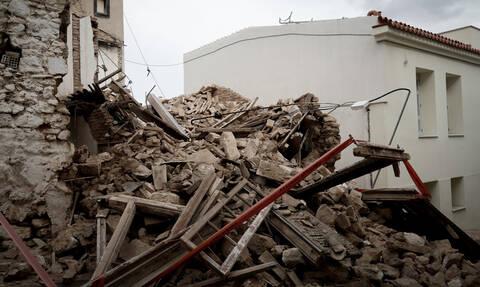 Κατέρρευσε και άλλο κτήριο στο κέντρο της Αθήνας - Τρόμος για τους κατοίκους (pics&vid)