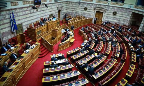 Βουλή Live: Η «μάχη» της Συνταγματικής Αναθεώρησης - Παράταση μίας ημέρας στη συζήτηση