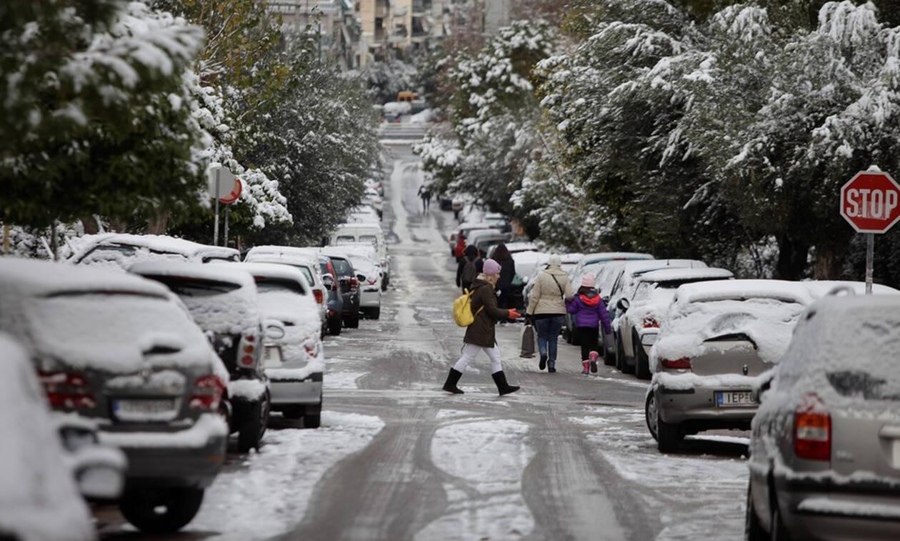 Καιρός: Η «Χιόνη» κυκλώνει» την Ελλάδα – Καταιγίδες, χιόνια και τσουχτερό κρύο – Πού θα το στρώσει