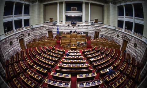 Βουλή LIVE: Η «μάχη» για τη συνταγματική αναθεώρηση