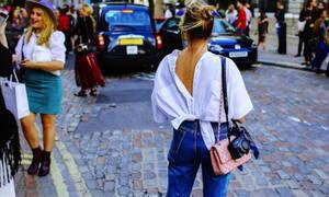 Εννέα φρέσκιες ιδέες για να φορέσεις το τζιν σου και να τραβήξεις όλα τα βλέμματα πάνω σου