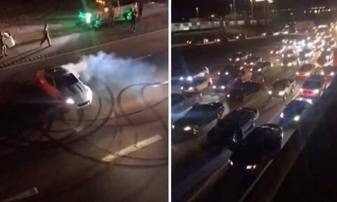 Προκάλεσαν κυκλοφοριακό... χάος, κλείνοντας εθνικό δρόμο για να κάνουν κόντρες (video)