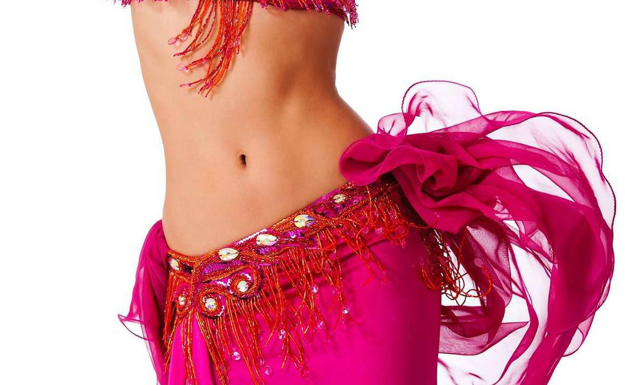 Πρέβεζα: Καταδικάστηκε η σέξι χορεύτρια της showbiz που δάγκωσε αστυνομικό