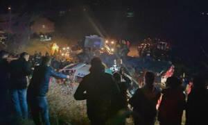 Τρόμος στην άσφαλτο: Ανατροπή λεωφορείου στα Σκόπια - 13 νεκροί και δεκάδες τραυματίες (Pics+Vid)