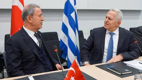 Συνάντηση Αποστολάκη - Ακάρ στις Βρυξέλλες: Τι συζήτησαν οι υπουργοί Άμυνας Ελλάδας - Τουρκίας